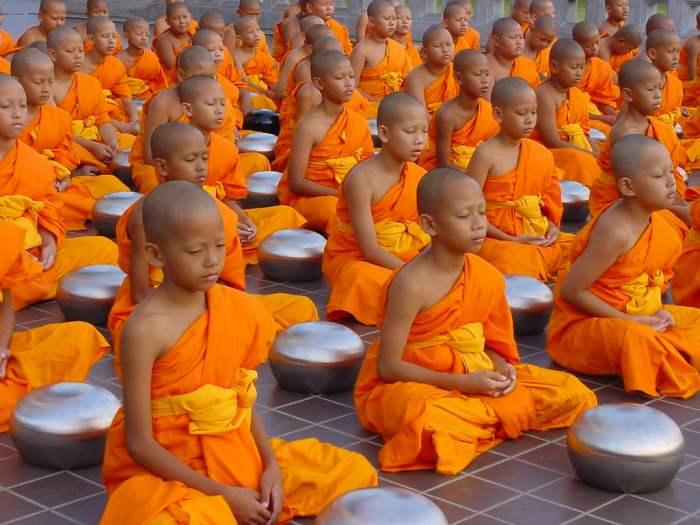 monk-meditate
