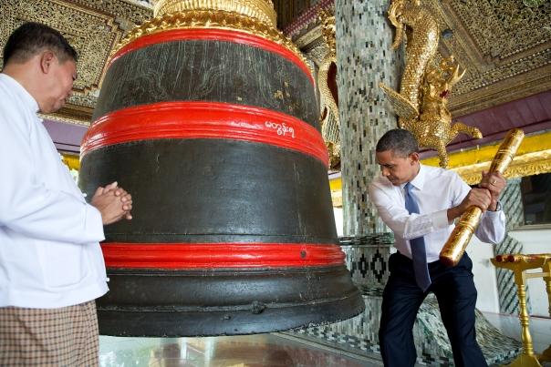 Obama visit Shwedagon Pagoda (2)