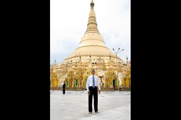 Obama visit Shwedagon Pagoda (3)