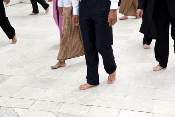 Obama visit Shwedagon Pagoda (4)