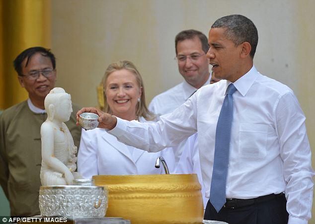 Obama visit Shwedagon Pagoda (8)