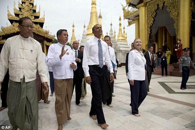 Obama visit Shwedagon Pagoda (9)