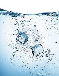 nước với băng