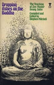 rơi tro trên thân Phật