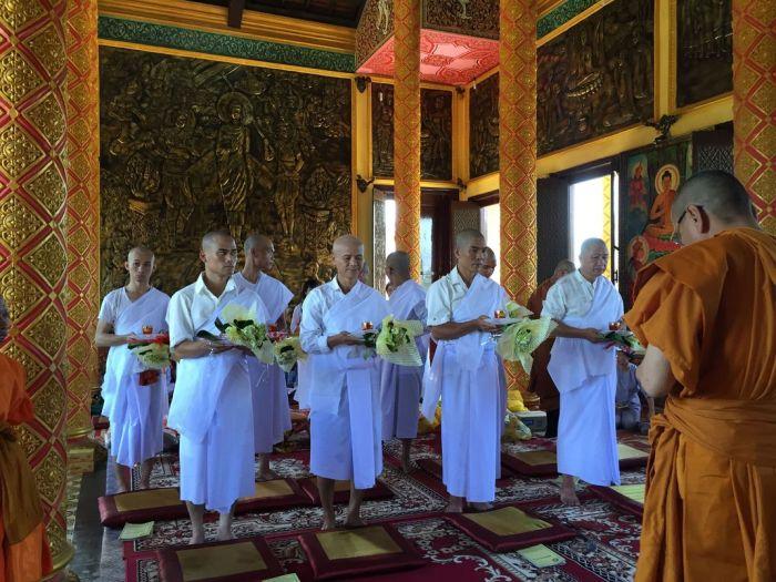 Le xuat gia gieo duyen chua Kleng Hanoi (1)2