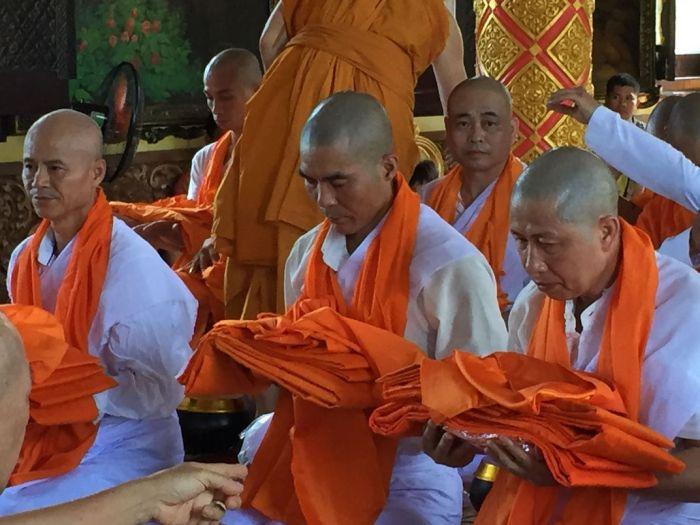 Le xuat gia gieo duyen chua Kleng Hanoi 26