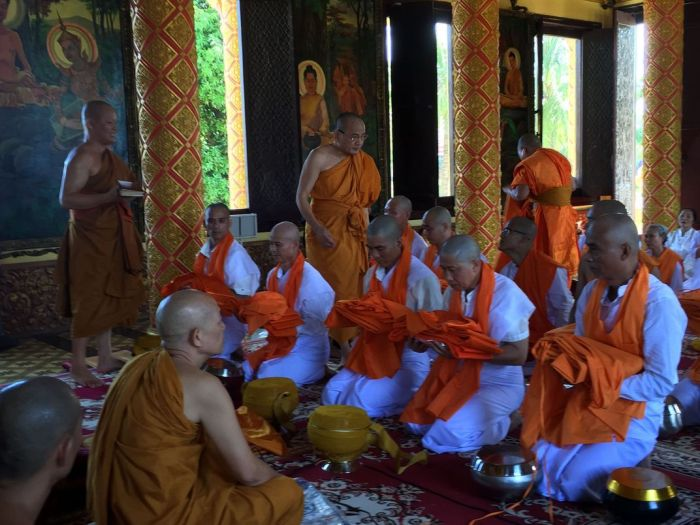 Le xuat gia gieo duyen chua Kleng Hanoi 27