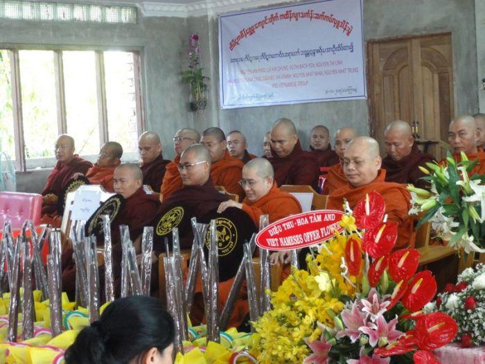 Kathina Myanmar (2)