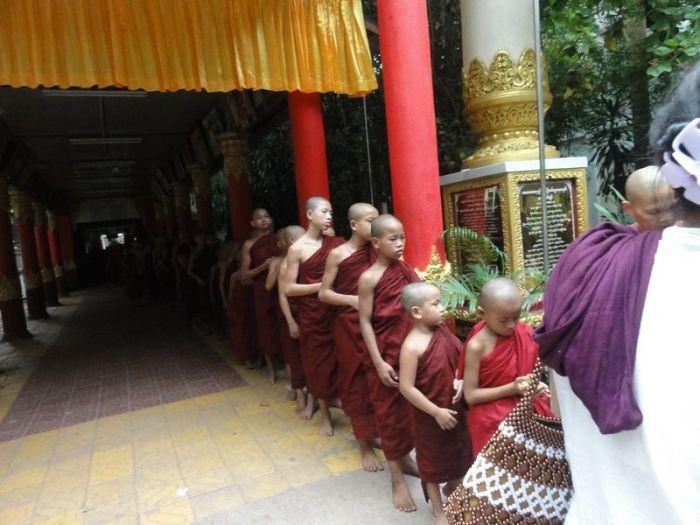 Kathina Myanmar (5)