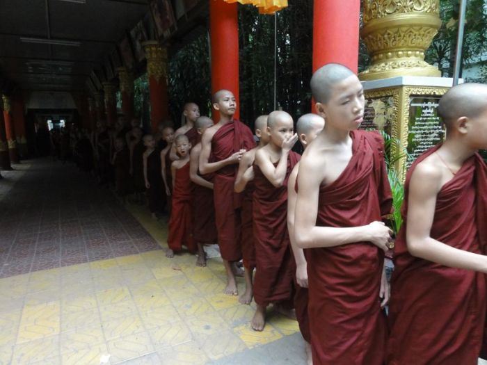 Kathina Myanmar (6)